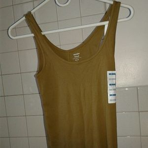 Womans Old navy green/olive green T-shirt